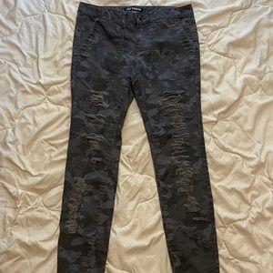 Camo Joe fresh, size 25 jeans.